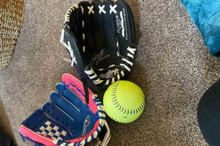 Best Baseball Glove Oil – Better Preparation For The Big Game